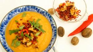 Knolselderijsoep met zoete aardappel en chorizocrunch