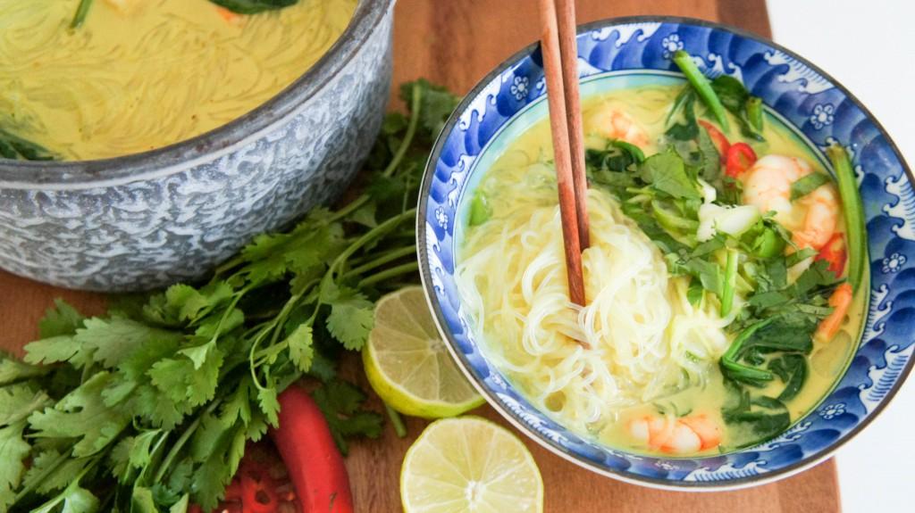 Super snelle Thaise noodlesoep met garnalen