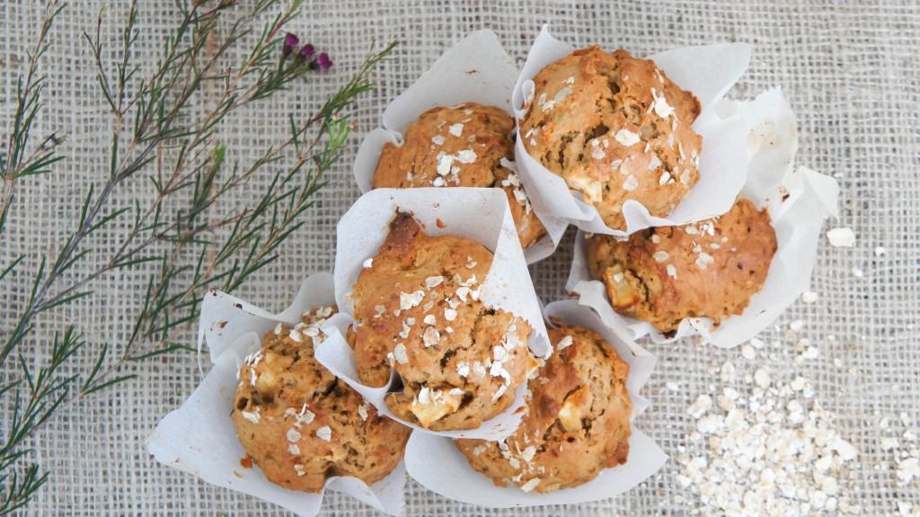 Ontbijtmuffins met appel en kaneel