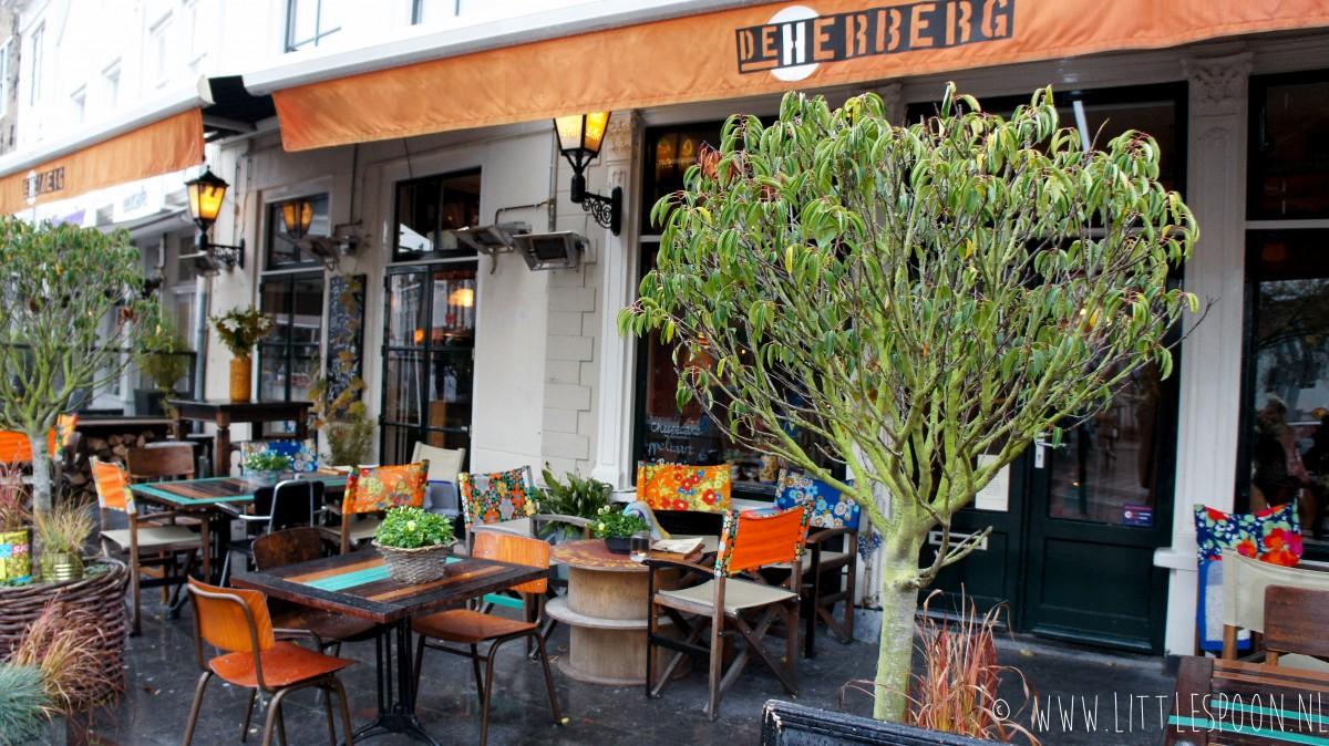 De Herberg in Middelburg // Lunchen en borrelen in oma's woonkamer