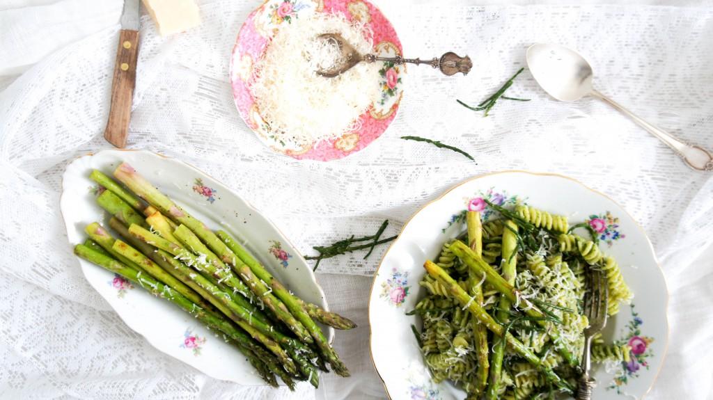 Pasta met pesto, zeekraal en groene asperges