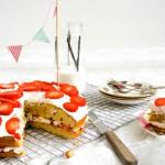 Taart met aardbeien en vanilleslagroom