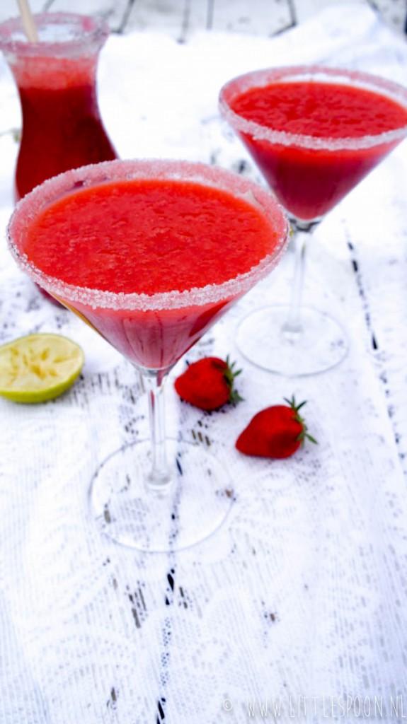 Frozen strawberry daiquiri-1