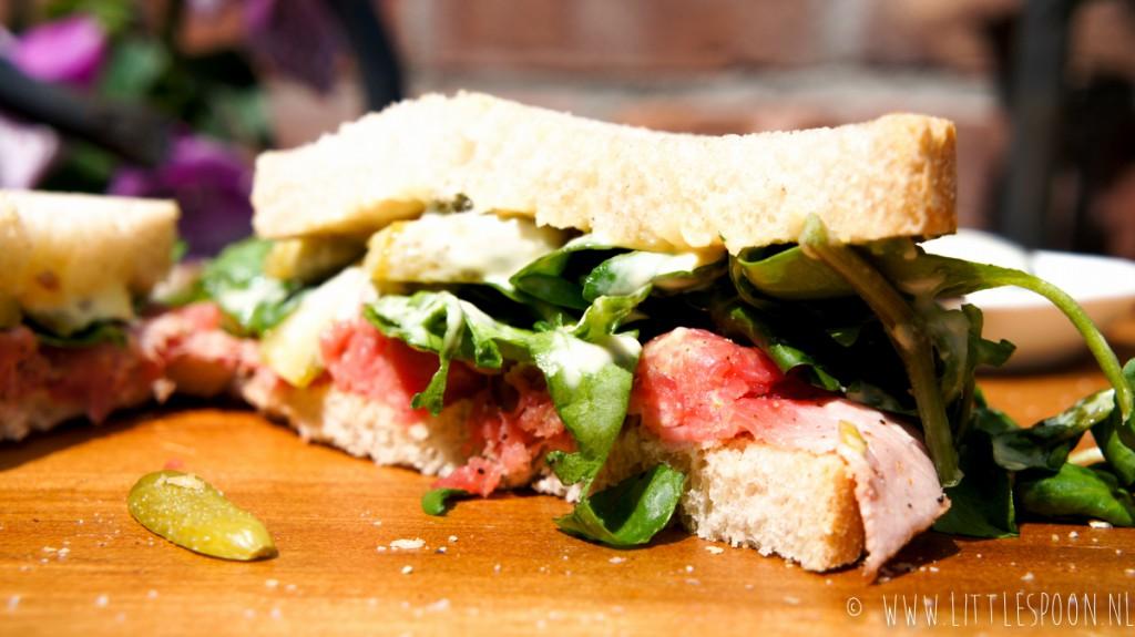 Boterhammenfeest: sandwich met rosbief