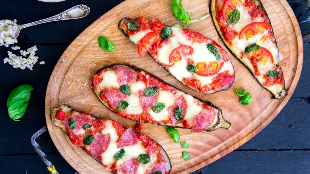 Snelle auberginepizza's // vega + salami