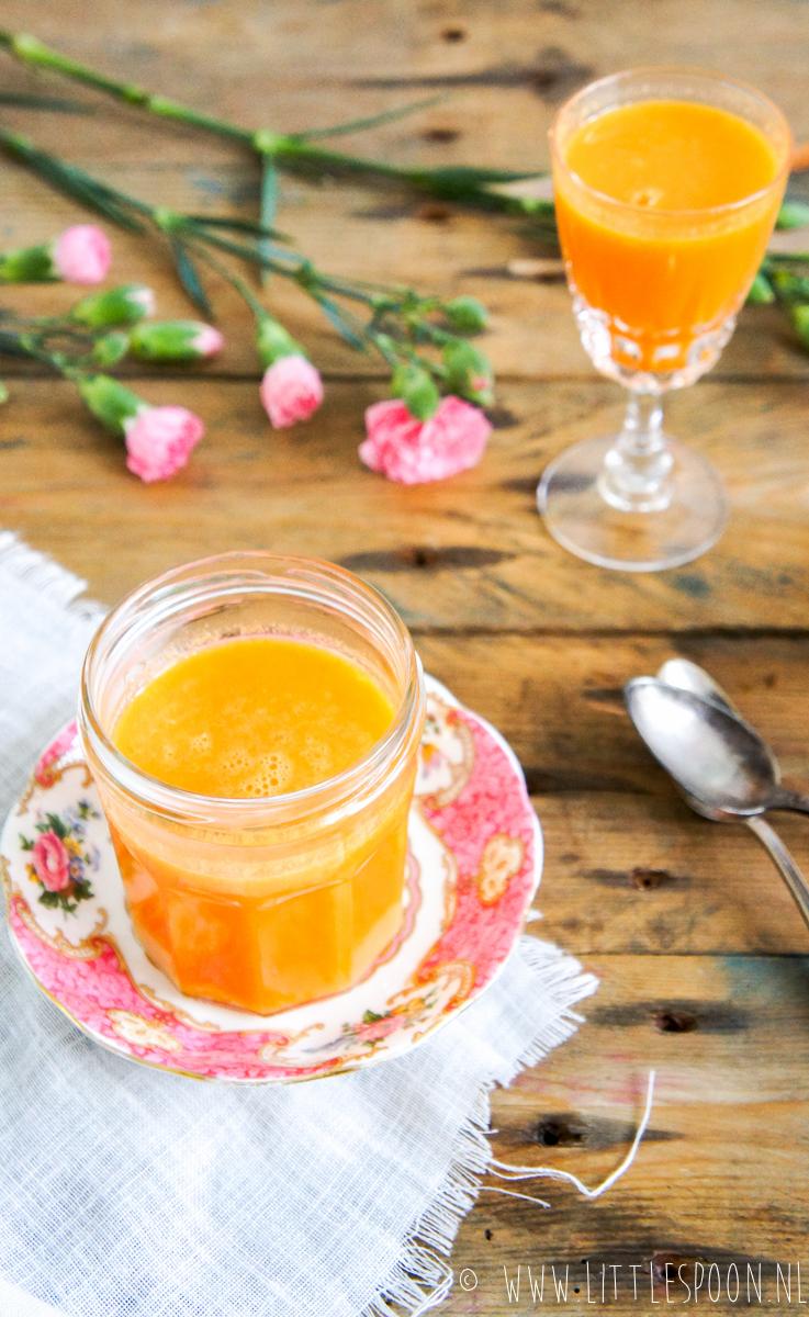 Fris en fruitig sapje van wortel, sinaasappel en gember