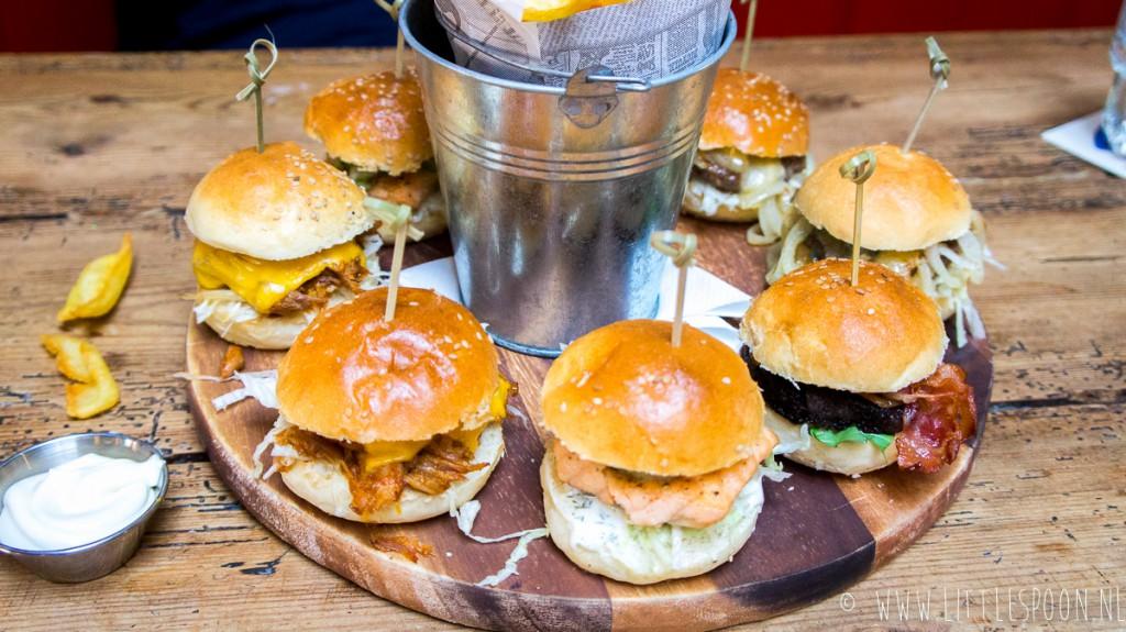 Café de Biet in Zierikzee, voor borrels en burgers