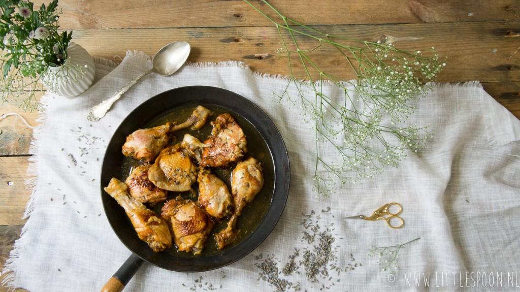 Kip gestoofd in Pastis met lavendel en honing