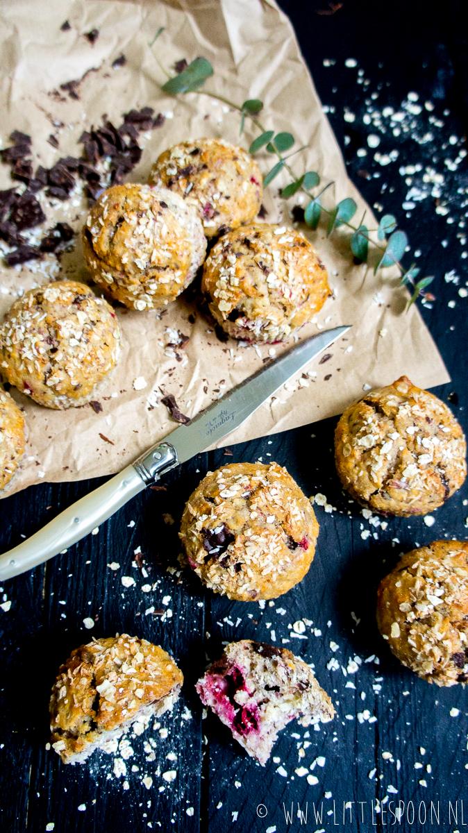 Muffins met framboos en pure chocolade
