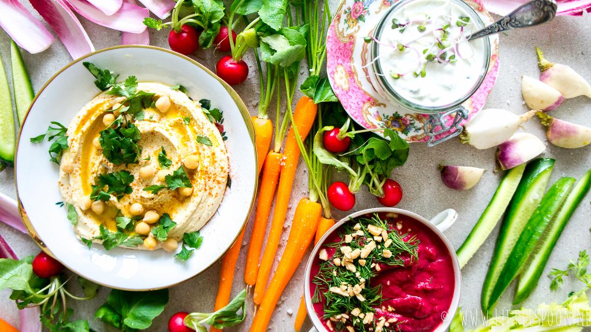 3 x gezonde dips met knapperige groente