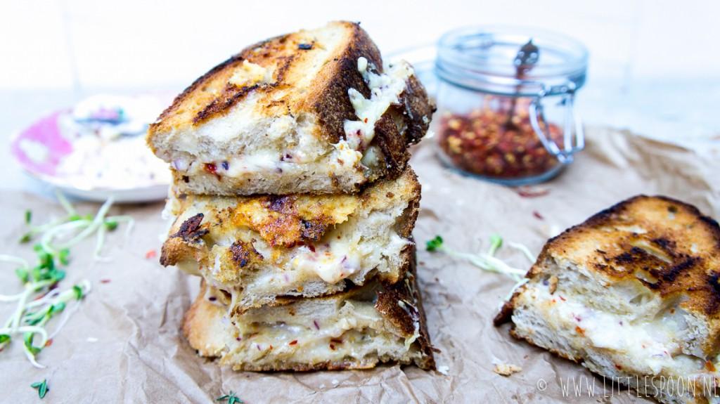 Anti-katerontbijt #3: te gekke tosti met twee soorten kaas