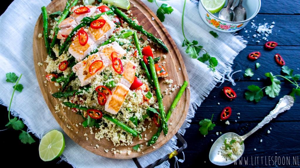 Makkelijk & snel: couscous met zalm en groene asperges