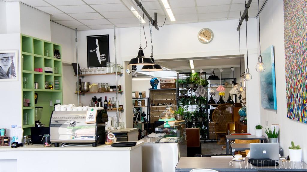 InMiddels in Middelburg // koffie- & saladebar, shoppen en werken