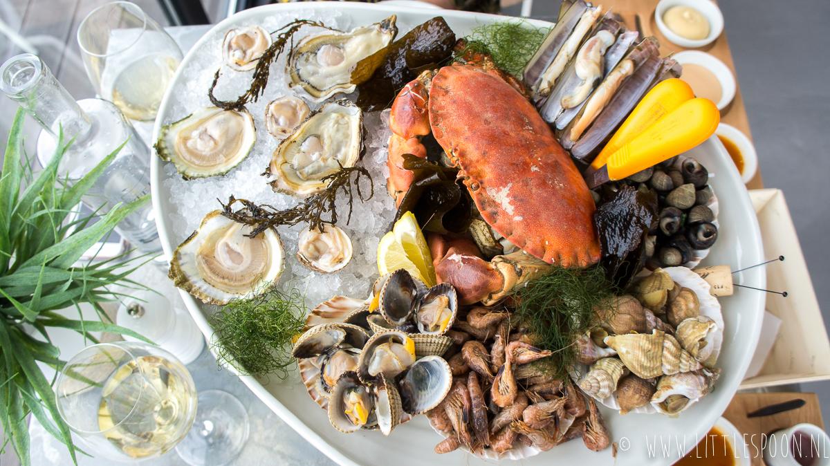 Zee/Land/Zilt: eten boven op de oesterputten in Yerseke