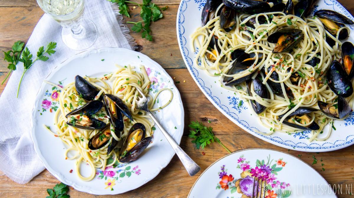 Snelle spaghetti met mosselen en ansjovis