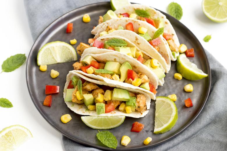 Frisse taco's met kip, limoen & avocado
