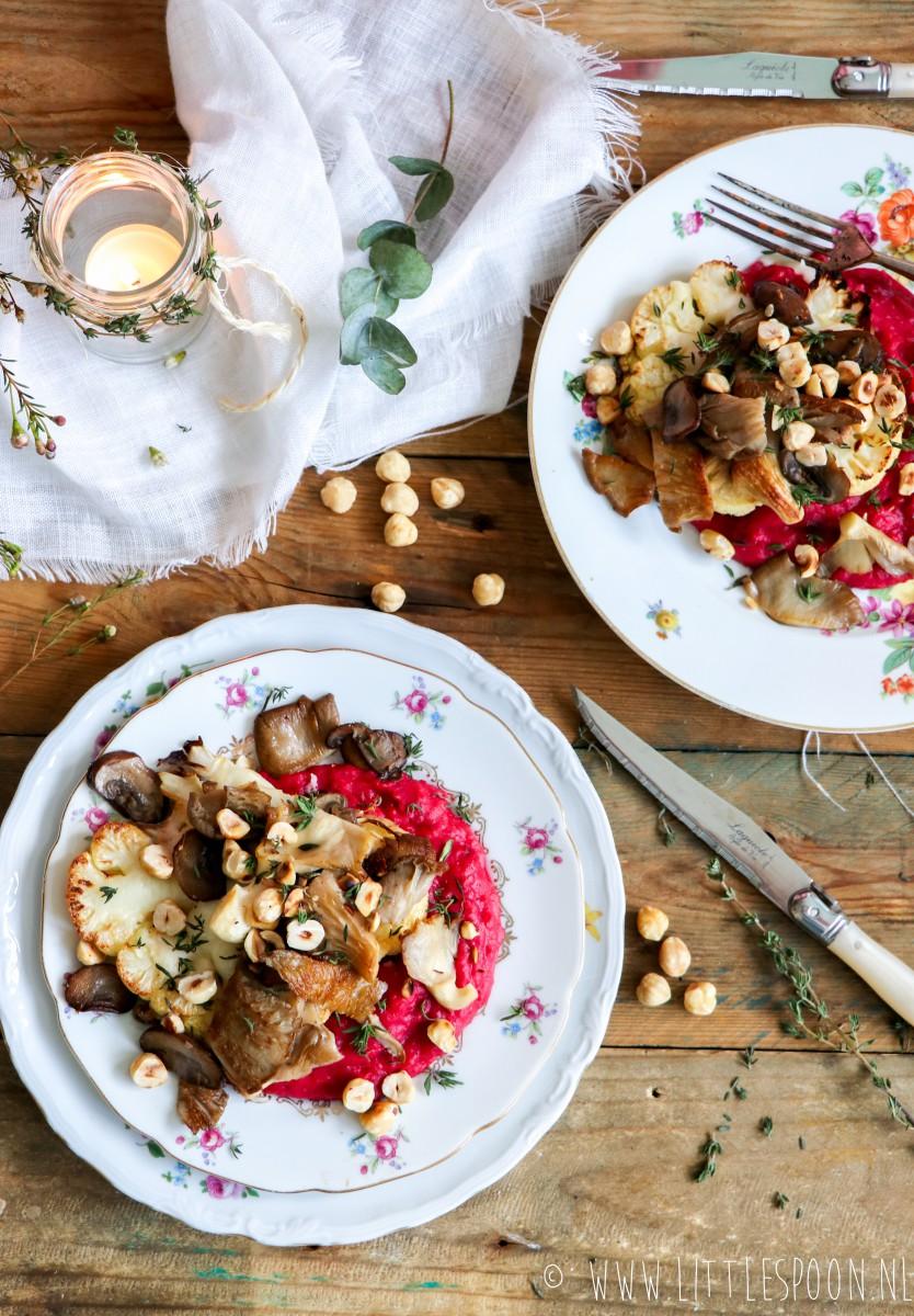 Bloemkoolsteak met geitenkaas, bietenpuree en paddenstoelen