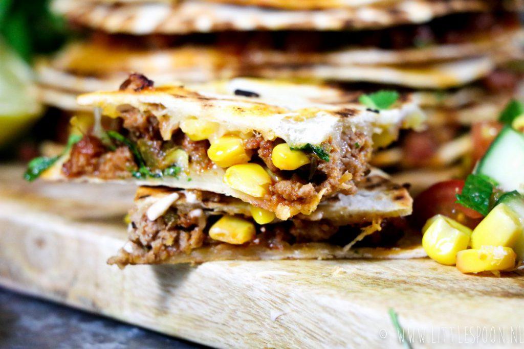 Mini quesadillas met pittig gehakt