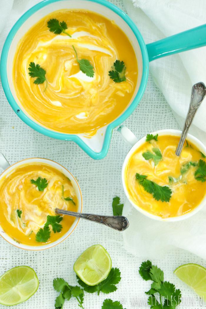 Zoete aardappelsoep met gember en kip