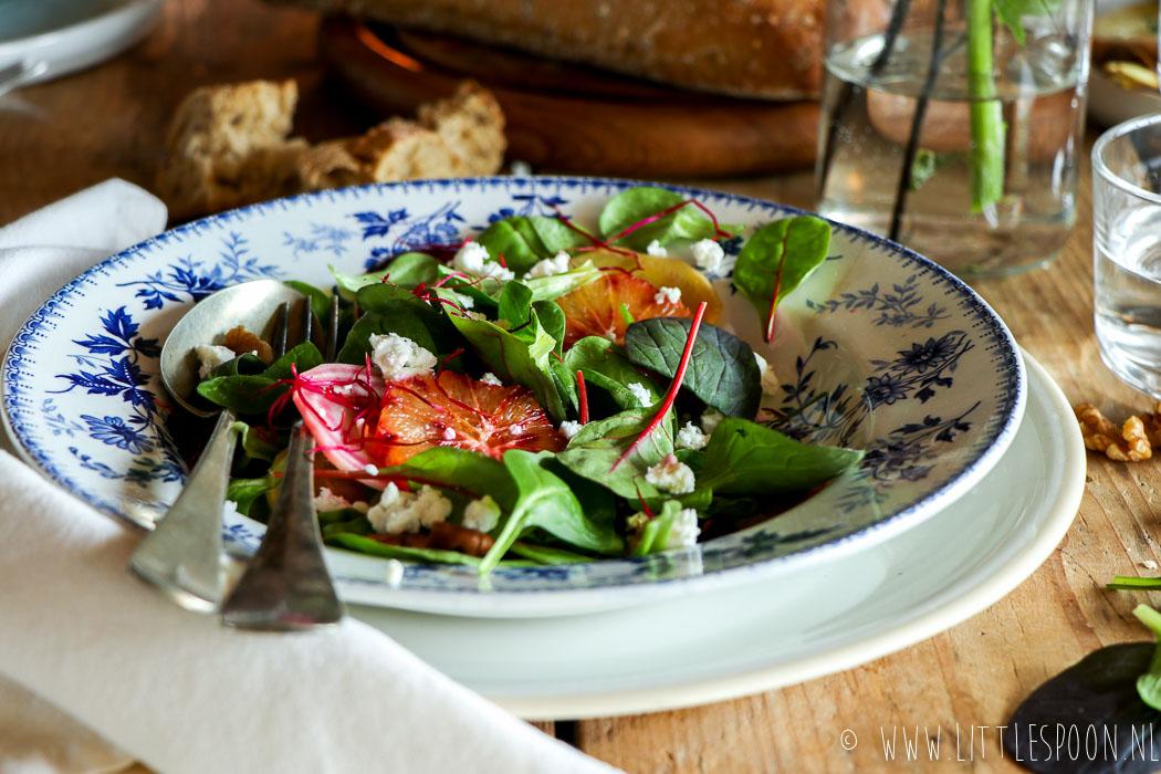 Salade met geitenkaas, bietjes en bloedsinaasappel