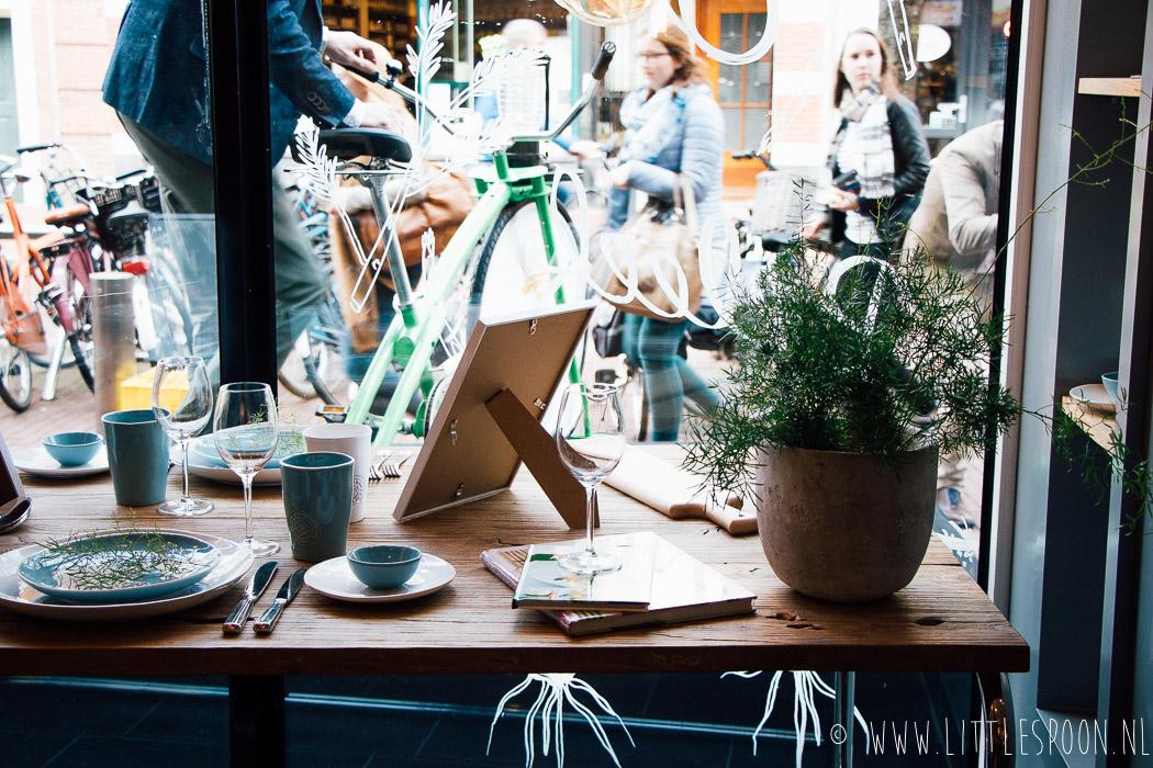 Gewokte witte asperges met ansjovis + opening van Dé Aspergewinkel