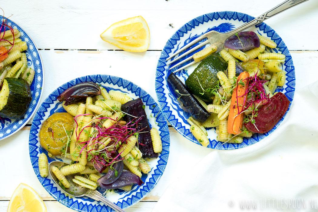 Pastasalade met geroosterde groentes