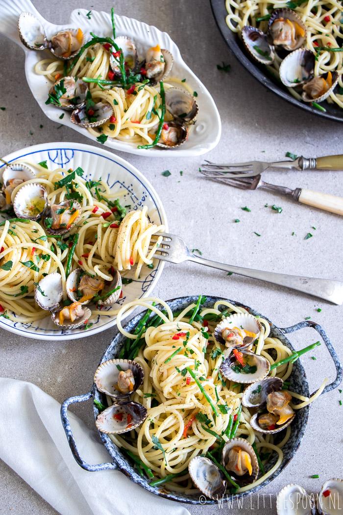 Pasta met een Zeeuws tintje // spaghetti met kokkels en zeekraal