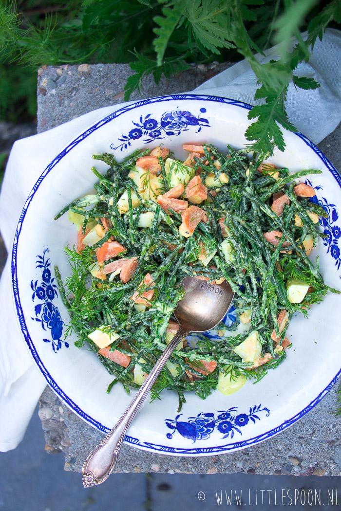 Zilte zeekraalsalade met wortel en ei