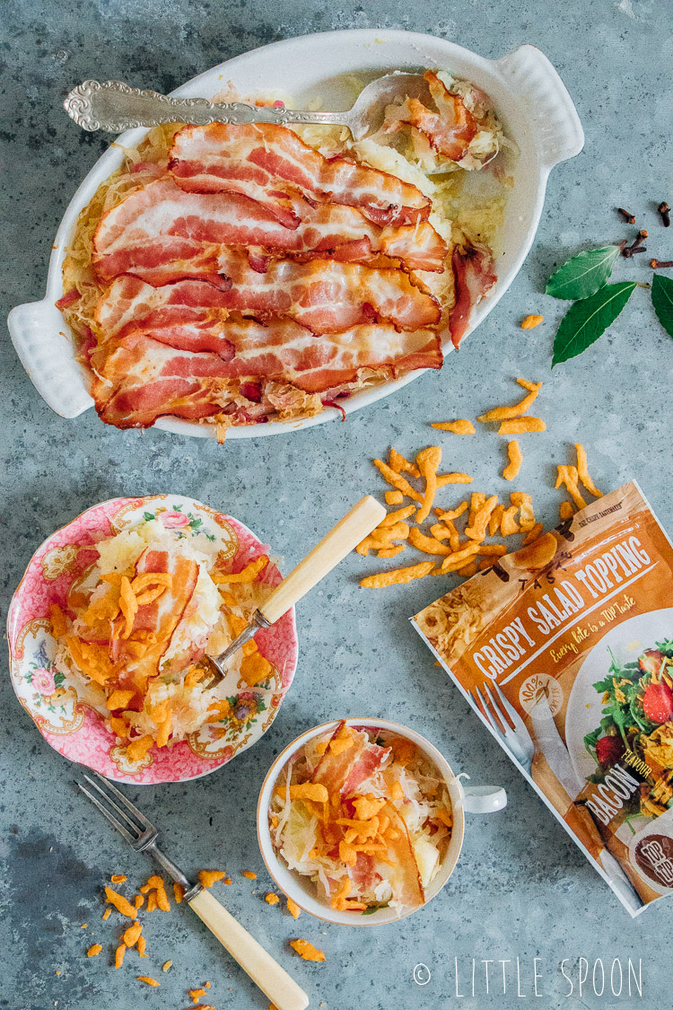 Zuurkool ovenschotel met bacon crispy uitjes