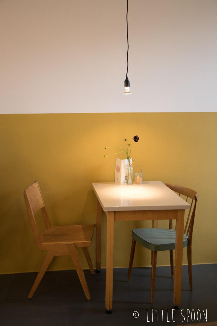 Café Hélène in Bergen op Zoom // een schattig lunchcafé in een boekhandel